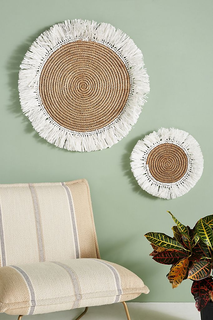 Boho style wall decor.  How to decorate your boho style living room.