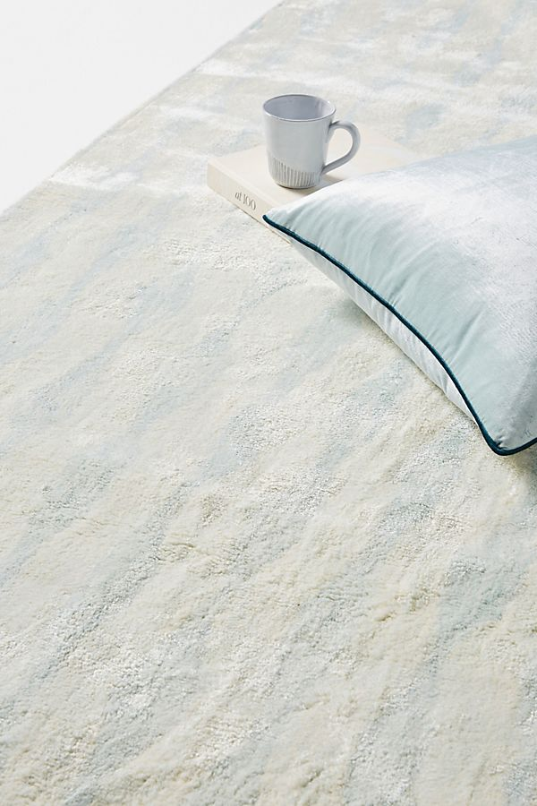 Slide View: 2: Tufted Beacon Viscose Rug