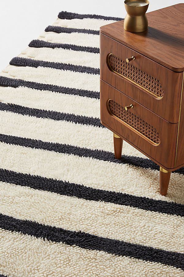 Slide View: 2: Tufted Perrin Rug
