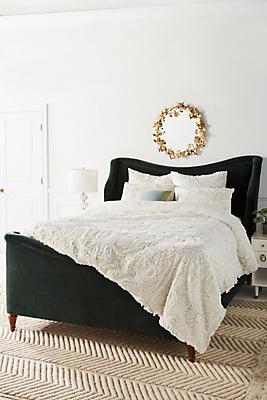 Slide View: 1: Appliqued Maison Quilt