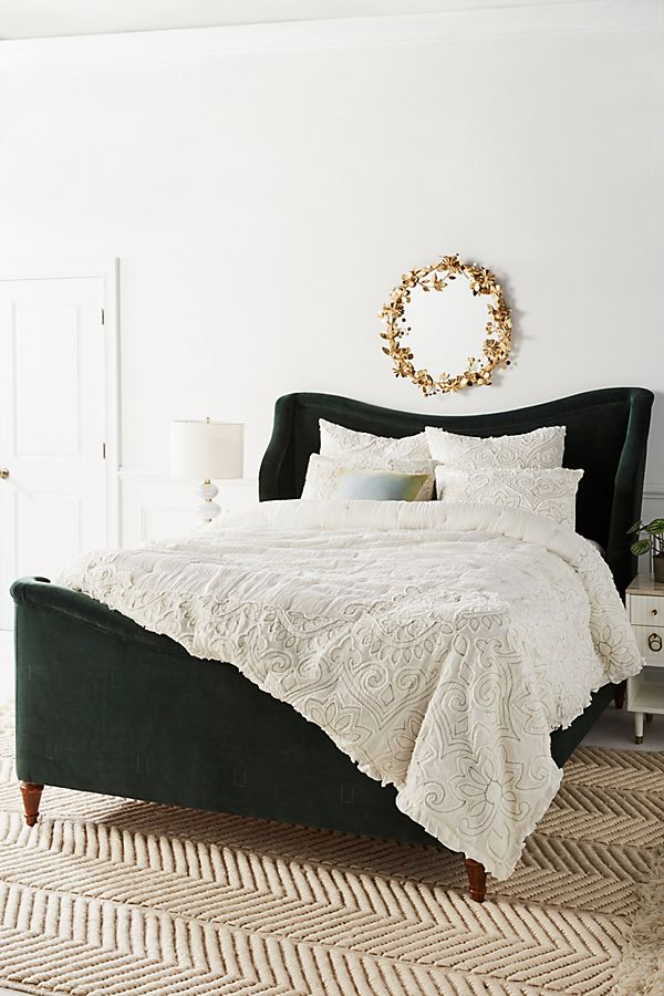 Slide View: 1: Appliqued Maison Quilt