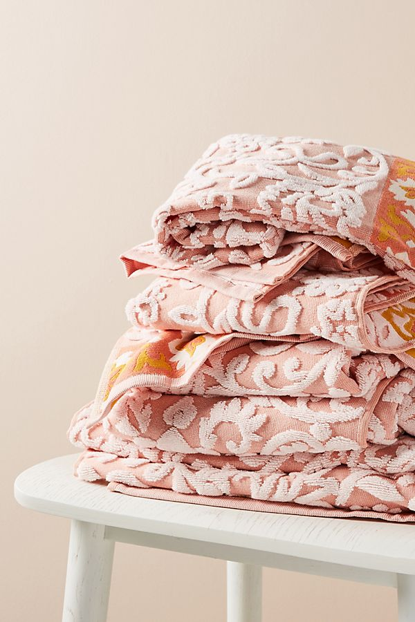 Slide View: 2: Lilja Bath Towel Collection