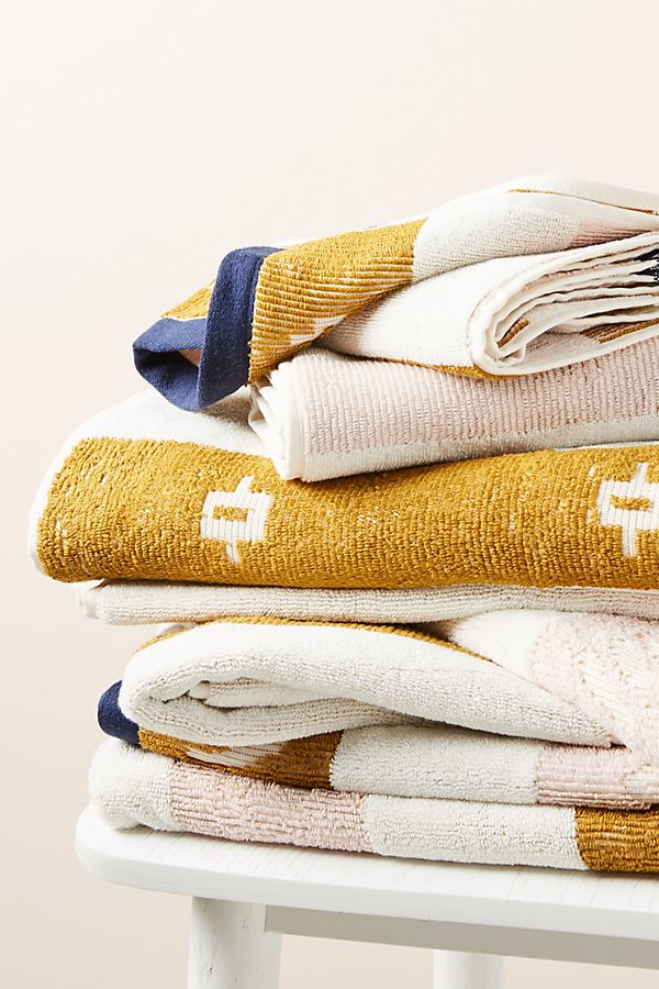 Slide View: 2: Isla Bath Towel Collection