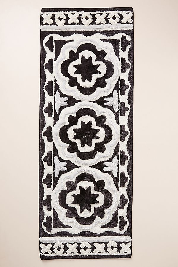 Slide View: 1: Tufted Janina Bath Mat
