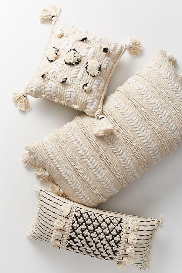 Slide View: 2: Kama Pillow
