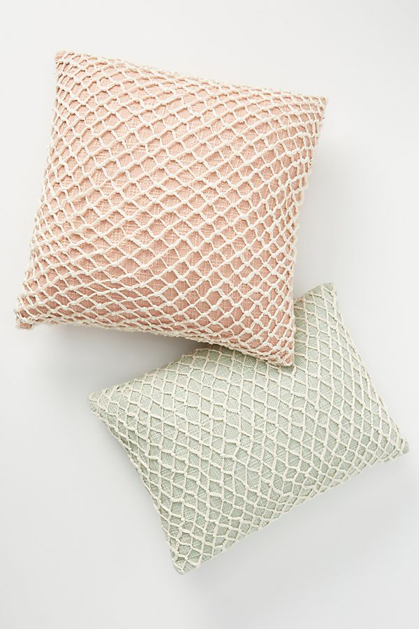 Slide View: 2: Netted Pillow