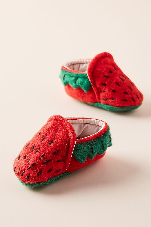 Fabulous Strawberry Baby Booties | Anthropologie TC86