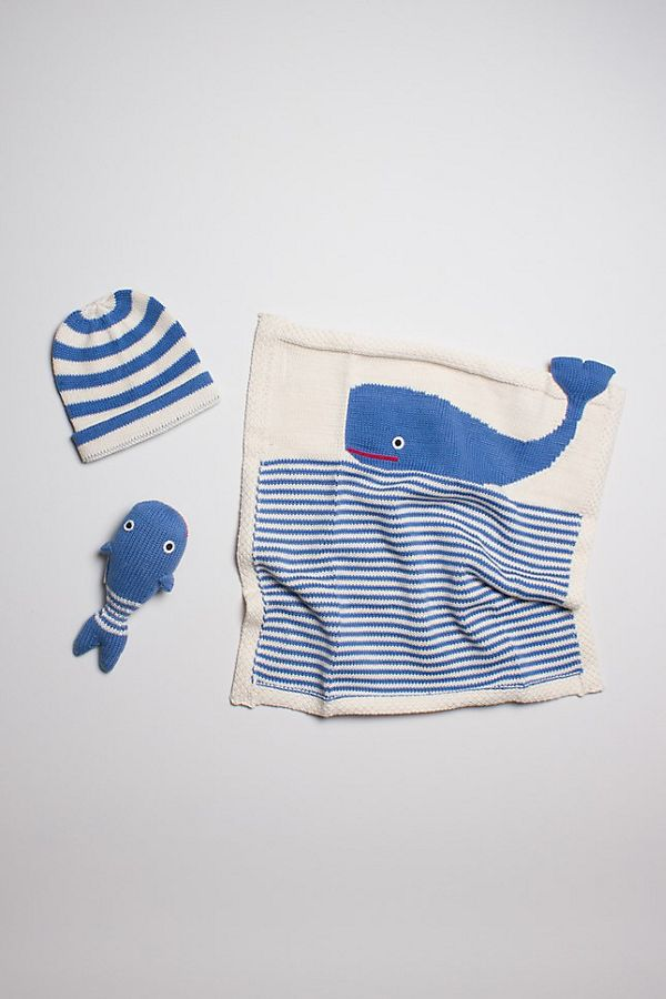 Slide View: 1: Estella Organic Whale Blanket Baby Gift Set