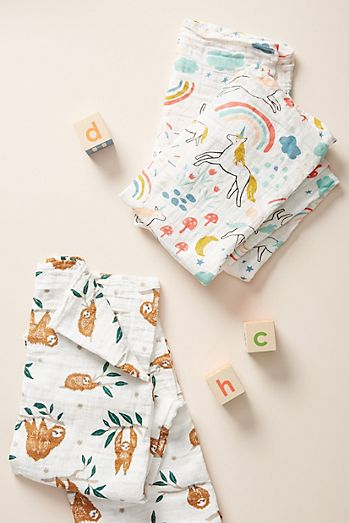 Animal Friends Swaddle 35ca27bf1b94a