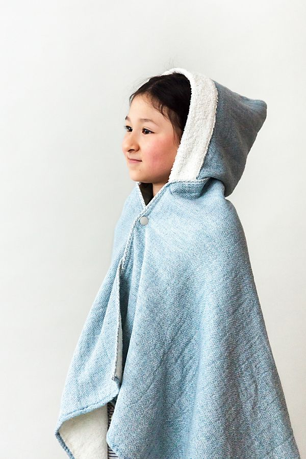 Slide View: 1: Kontex Claire Hooded Bath Towel