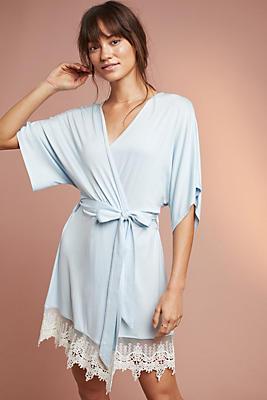 Slide View: 1: Splendid Lace Robe