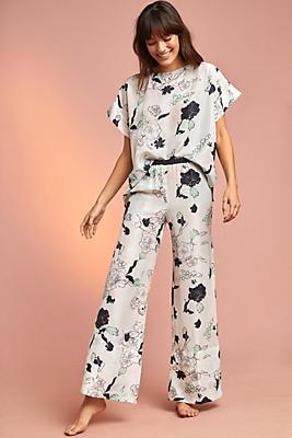 Slide View: 1: Coco Floral Silk Pants