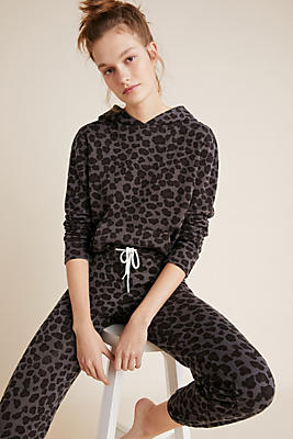 Slide View: 1: MONROW Leopard Pullover