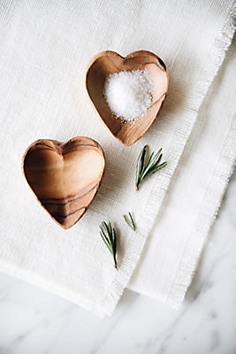 Slide View: 3: Connected Goods Mini Wood Heart Dish Set