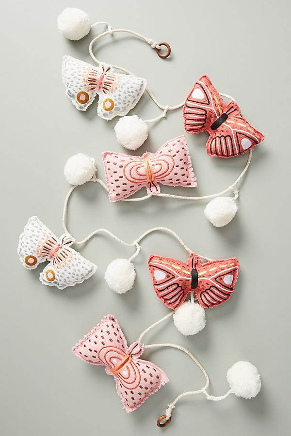 Slide View: 1: Tara Lilly Butterfly Garland