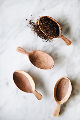 Slide View: 1: Connected Goods Wild Olive Wood Petal Scoop Set