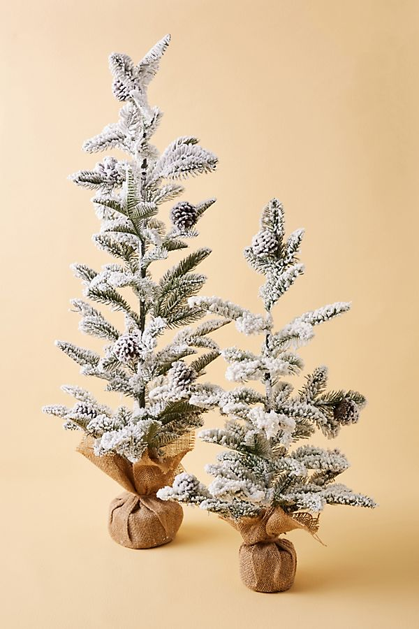 Slide View: 1: Flocked Christmas Tree