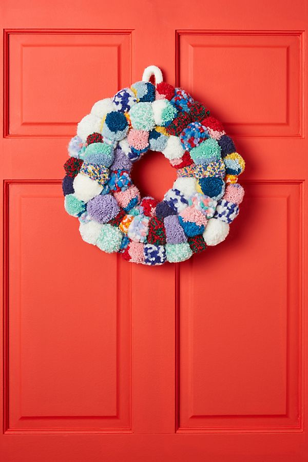 Slide View: 1: Pom Bonanza Wreath