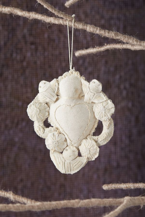 Slide View: 1: Sacred Heart Ornament