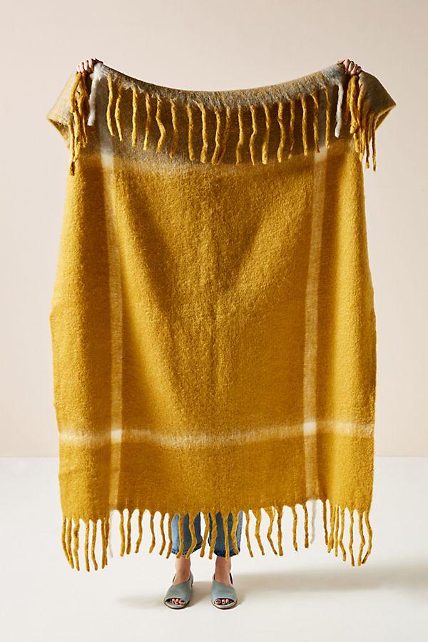 Slide View: 1: Woven Bella Throw Blanket