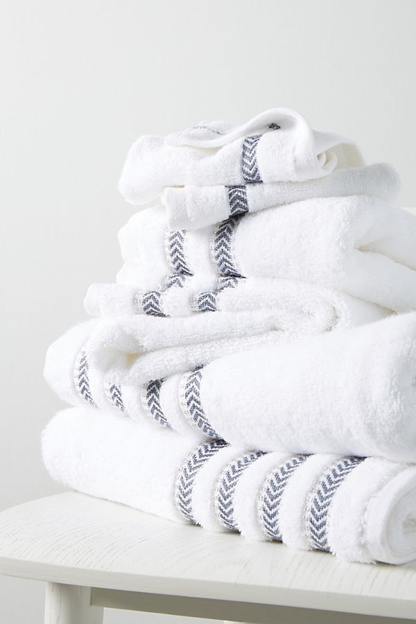 Slide View: 1: Maisie Metallic Towels, Set of 6