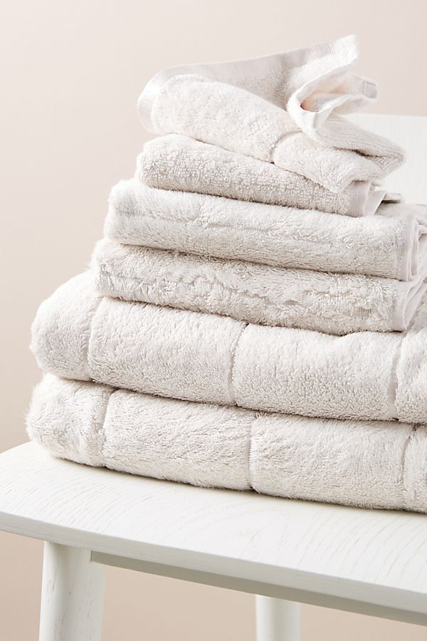 Slide View: 2: Alexa Towels, Set of 6