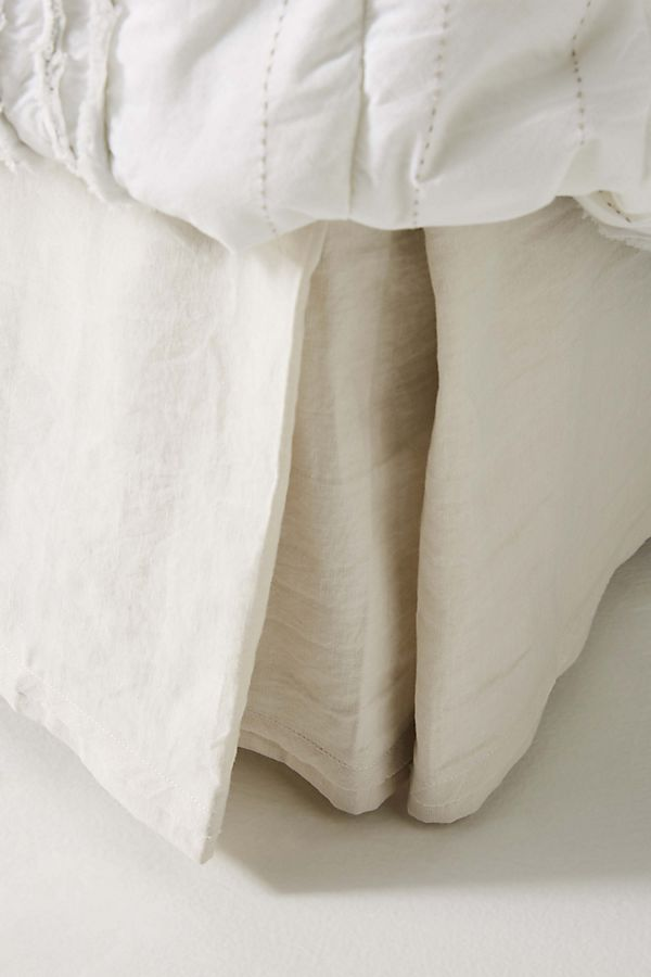 Slide View: 1: Relaxed Cotton-Linen Bed Skirt