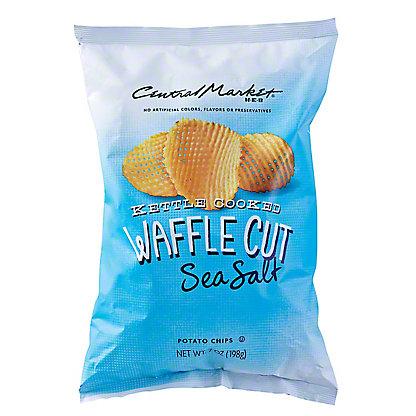 Central Market Kettle Cooked Waffle Cut Sea Salt Potato Chips, 7 oz