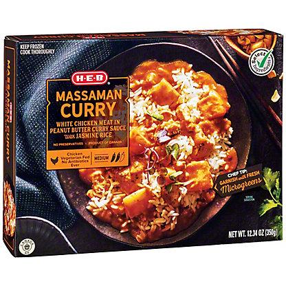 Central Market Massaman Curry Sauce with Chicken,12 oz