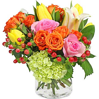 Central Market Signature Vase Arrangement, ea