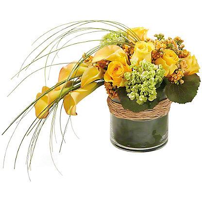 Central Market Contemporary Calla Deluxe Vase Arrangement, ea