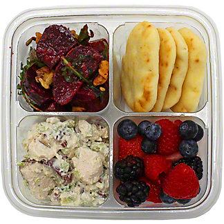 Central Market Tarragon Chicken Salad Medley, ea