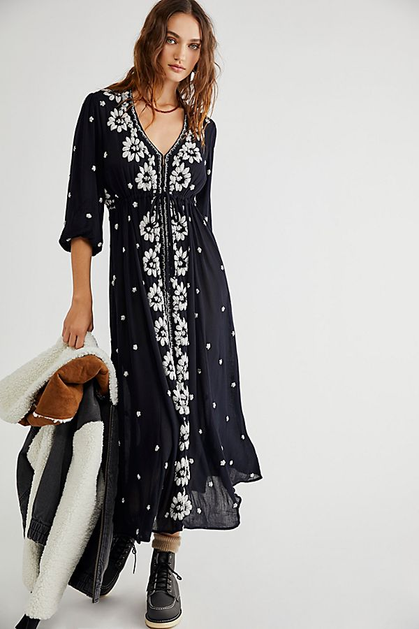 6fdac456baf06a Slide View 1  Embroidered Fable Midi Dress