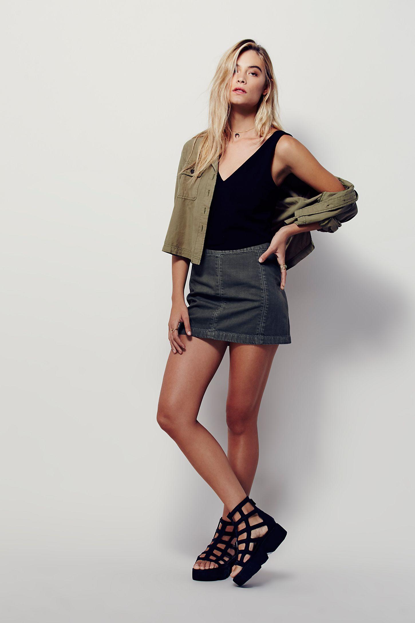 3f3902fc22 How To Wear Black Denim Mini Skirt