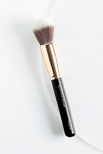 M.O.T.D Cosmetics Beauty And The Base Brush