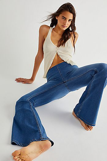 detailed pictures b2ed4 6b6e0 Penny Pull-On Flare Jeans
