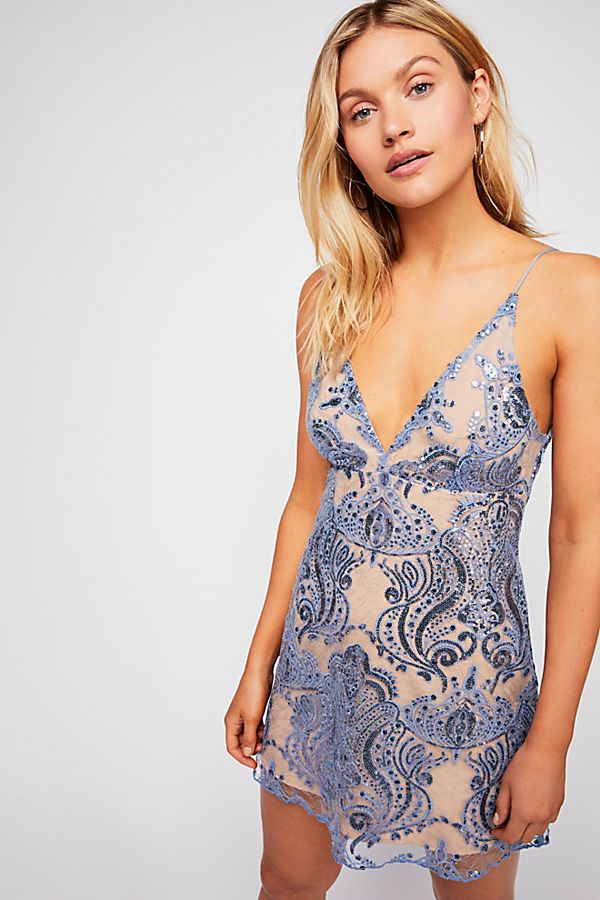 https://s7d5.scene7.com/is/image/FreePeople/40631855_048_a?$a15-pdp-detail-shot$&hei=900&qlt=80&fit=constrain