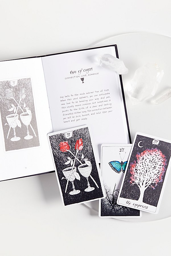 Slide View 1: The Wild Unknown Tarot Deck & Guidebook