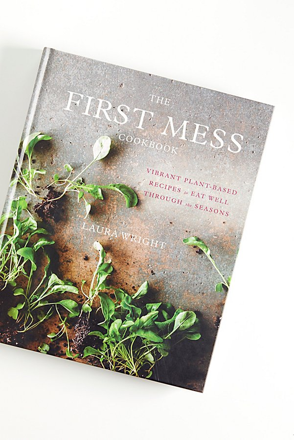 幻灯片视图 1: 《The First Mess Cookbook》