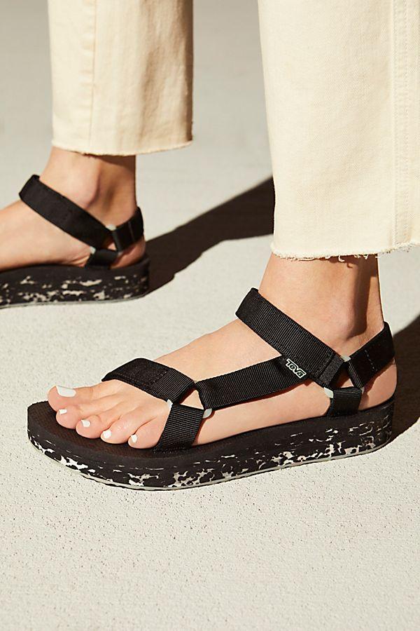 a74fd815b Slide View 1  Midform Universal Glow Teva Sandal