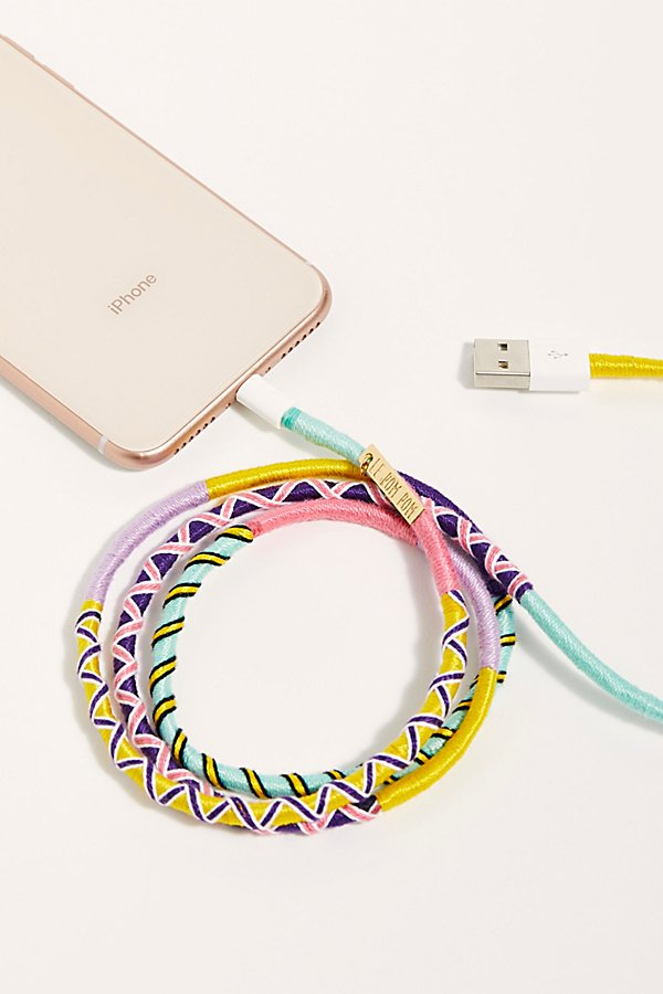 Slide View 3: Le Pom Pom iPhone Charger