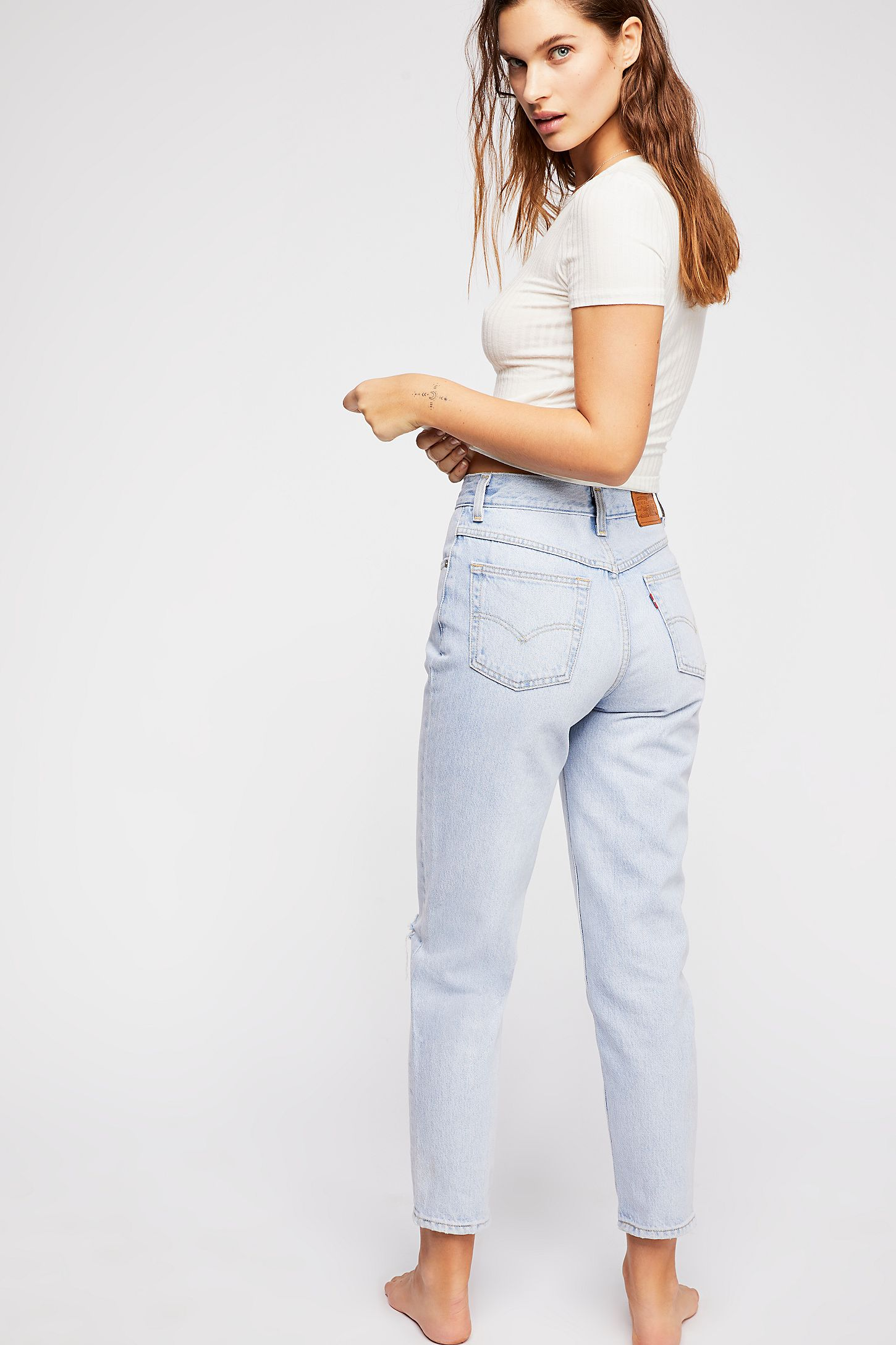 92d93a42 Levi's Mom Jeans   Free People