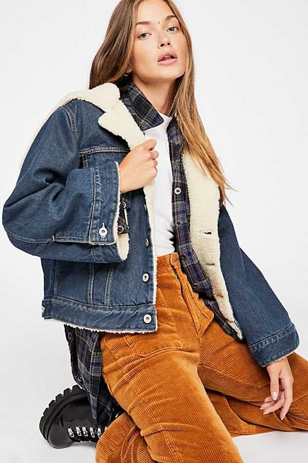 ad620c02cbd Levi s Made   Crafted Cropped Sherpa Trucker Jacket
