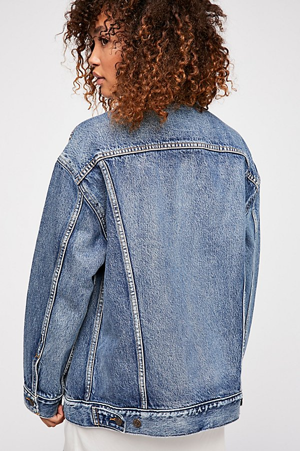 Slide View 3: Levi's Baggy Trucker Denim Jacket
