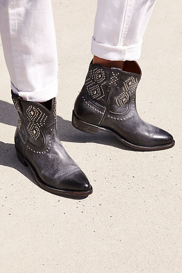 81a3776f6f3 Slide View 1  Billy Stud Western Boot