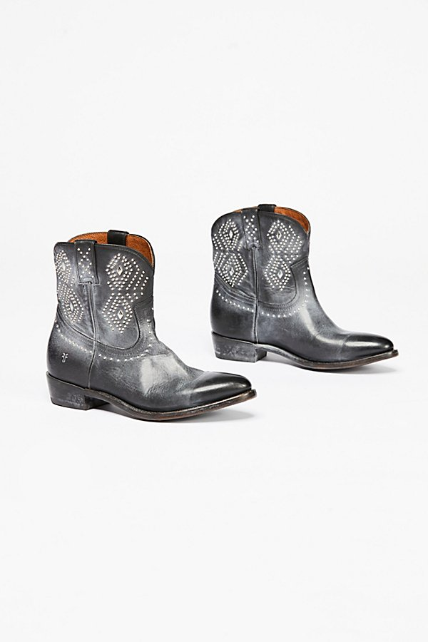 Slide View 2: Billy Stud Western Boot