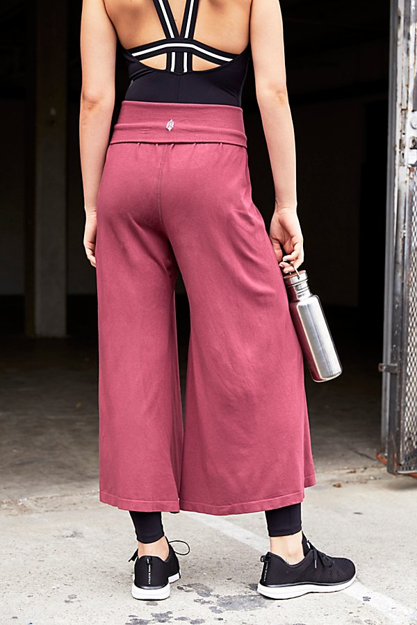 Slide View 3: Willow Wide-Leg Pant
