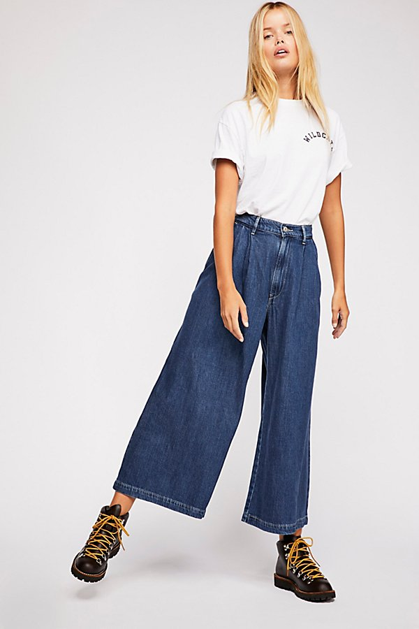 Slide View 2: Levi's Wide-Leg Pleated Jeans