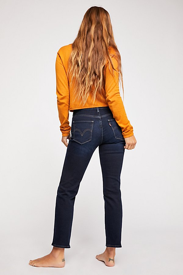 Slide View 2: Levi's Curvy Straight Crop Jeans