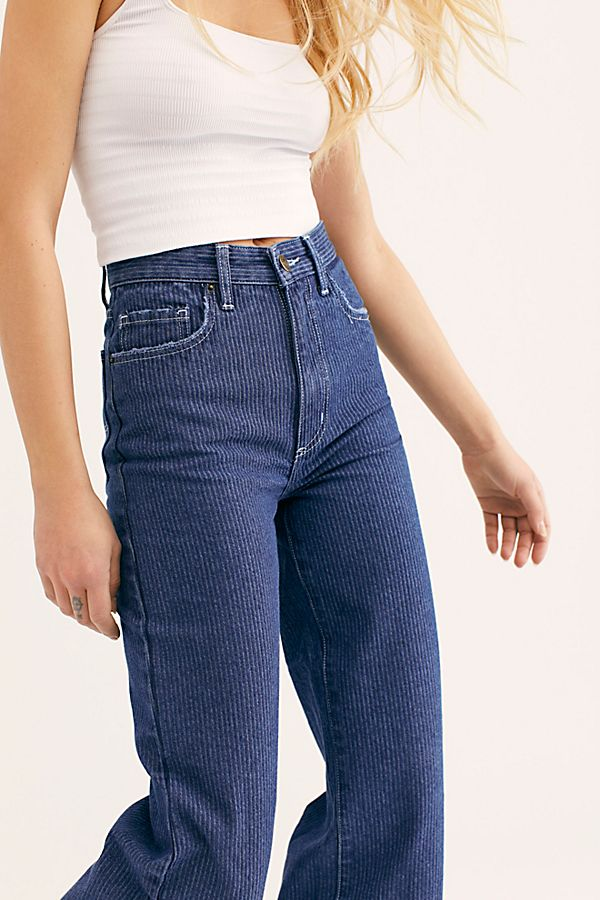 b003b6be3e Slide View 4: Lee High-Rise Wide-Leg Jeans